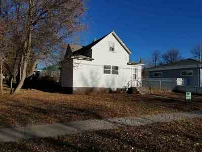 minot Single Family Home For Sale: 1418 11th Avenue NW