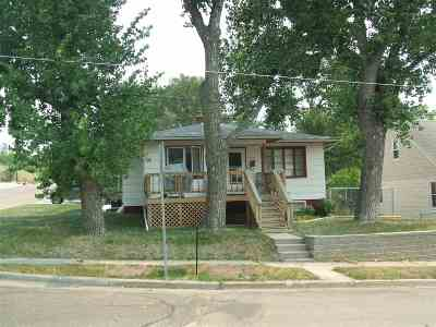 Single Family Home For Sale: 728 11th St NE