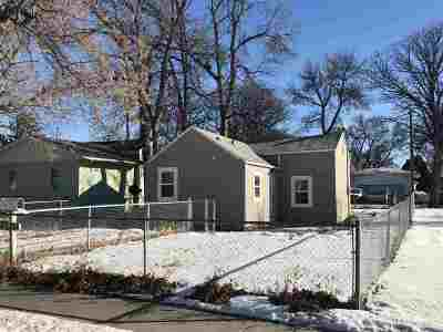 minot Single Family Home For Sale: 109 17th St SE