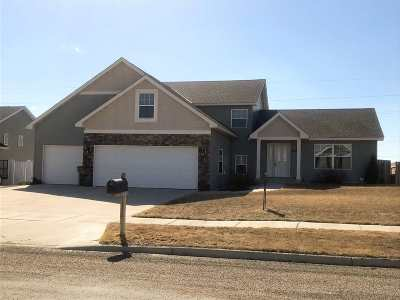 minot Single Family Home For Sale: 2836 Grey Eagle Pass NW