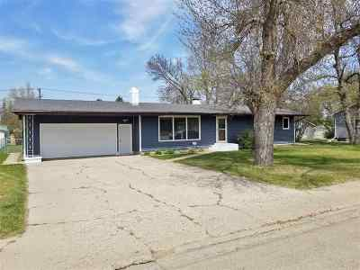 Bottineau County, Burke County, Divide County, McHenry County, McLean County, Mountrail County, Pierce County, Ramsey County, Renville County, Rolette County, Ward County, Wells County, Williams County Single Family Home For Sale: 137 10th St. SE