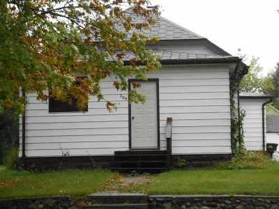 Velva Single Family Home For Sale: 209 W 3rd Ave