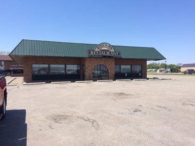 Minot ND Commercial For Sale: $480,000