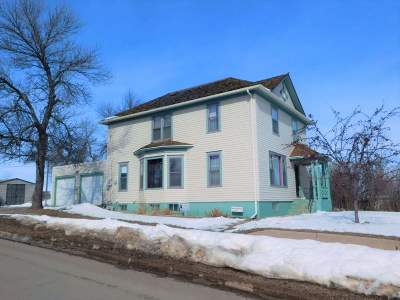 minot Single Family Home For Sale: 624 Main Street S
