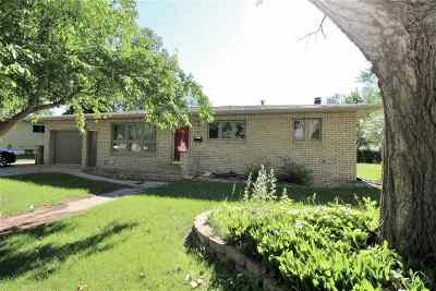 minot Single Family Home For Sale: 1617 5th Street SW