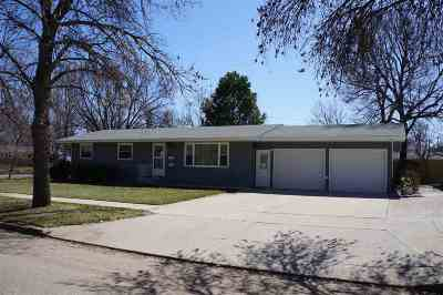 Minot Single Family Home For Sale: 2301 2nd Ave NW