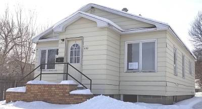 Minot ND Single Family Home For Sale: $40,000