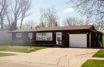Bottineau County, Burke County, Divide County, McHenry County, McLean County, Mountrail County, Pierce County, Ramsey County, Renville County, Rolette County, Ward County, Wells County, Williams County Single Family Home For Sale: 2601 5th Street NW