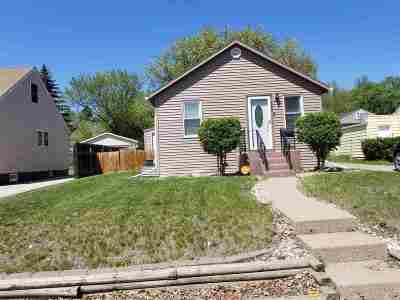 Bottineau County, Burke County, Divide County, McHenry County, McLean County, Mountrail County, Pierce County, Ramsey County, Renville County, Rolette County, Ward County, Wells County, Williams County Single Family Home For Sale: 802 11th Ave NW
