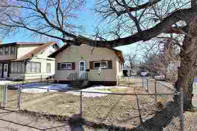 Minot ND Single Family Home For Sale: $169,900