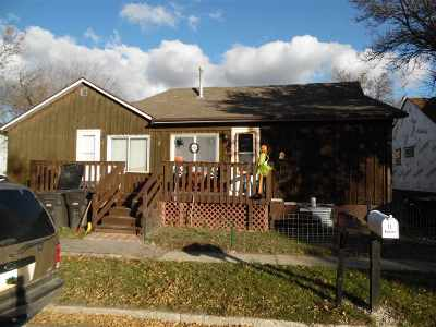 Bottineau County, Burke County, Divide County, McHenry County, McLean County, Mountrail County, Pierce County, Ramsey County, Renville County, Rolette County, Ward County, Wells County, Williams County Single Family Home For Sale: 007 2nd Street SE