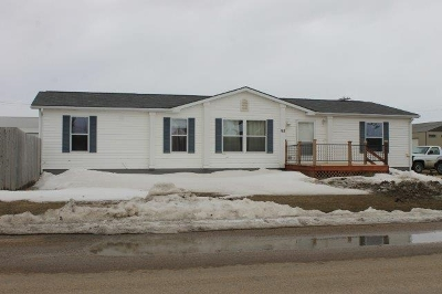 Bottineau County, Burke County, Divide County, McHenry County, McLean County, Mountrail County, Pierce County, Ramsey County, Renville County, Rolette County, Ward County, Wells County, Williams County Single Family Home For Sale: 93 10th Ave SE