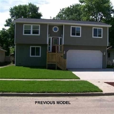 Bottineau County, Burke County, Divide County, McHenry County, McLean County, Mountrail County, Pierce County, Ramsey County, Renville County, Rolette County, Ward County, Wells County, Williams County Single Family Home For Sale: 3340 20th Ave NW