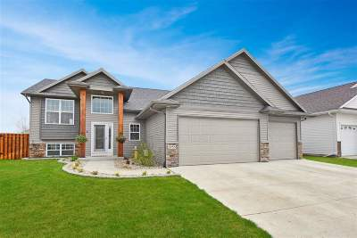Bottineau County, Burke County, Divide County, McHenry County, McLean County, Mountrail County, Pierce County, Ramsey County, Renville County, Rolette County, Ward County, Wells County, Williams County Single Family Home For Sale: 2733 Heritage Dr NW