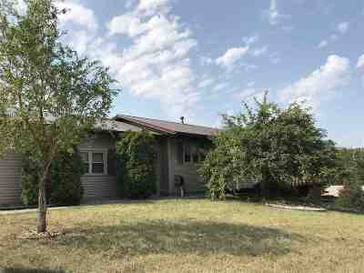 minot Single Family Home For Sale: 23 NW Moraine Pt NW