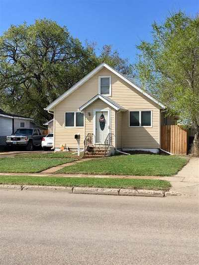 minot Single Family Home For Sale: 513 SE 11th Ave