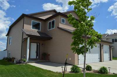 minot Single Family Home For Sale: 3405 SE 15th St