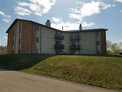Minot Condo For Sale: 1602 Terrace Dr, Unit 202 NW #202