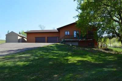 minot Single Family Home For Sale: 12020 S Hwy 52