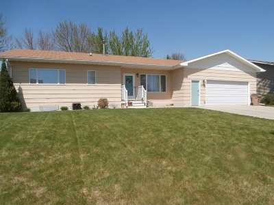 Minot Single Family Home For Sale: 1436 SW 19th Ave.