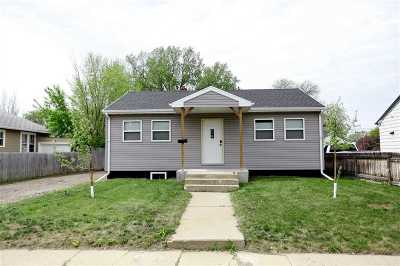 Minot Single Family Home Contingent - Hi: 1328 1st St SE