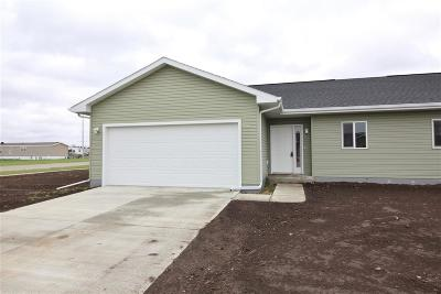 Minot Townhouse For Sale: 1572 47th Loop SE