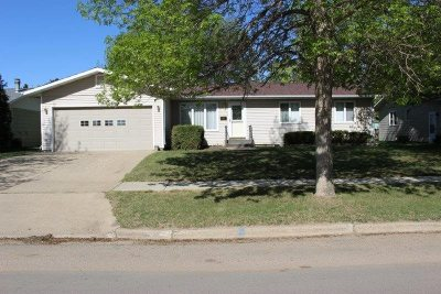 Minot Single Family Home For Sale: 1718 6th St SE