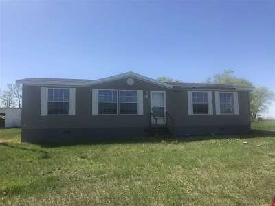 Minot ND Single Family Home For Sale: $120,000