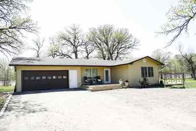 Minot ND Single Family Home For Sale: $324,900