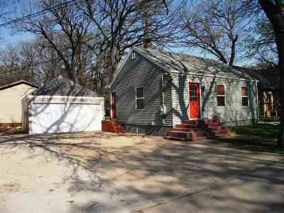 Minot ND Single Family Home For Sale: $109,900