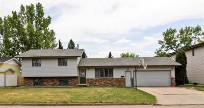 Minot ND Single Family Home Contingent - Hi: $229,900