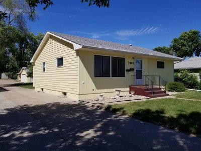 Minot Single Family Home For Sale: 709 SE 11 Th Ave