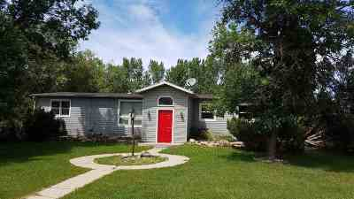 Bottineau County, Burke County, Divide County, McHenry County, McLean County, Mountrail County, Pierce County, Ramsey County, Renville County, Rolette County, Ward County, Wells County, Williams County Single Family Home For Sale: 205 6th Street NE