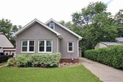 minot Single Family Home For Sale: 1015 9th St NW