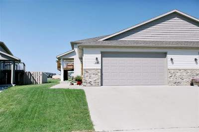Minot Townhouse For Sale: 109 Mulberry Loop