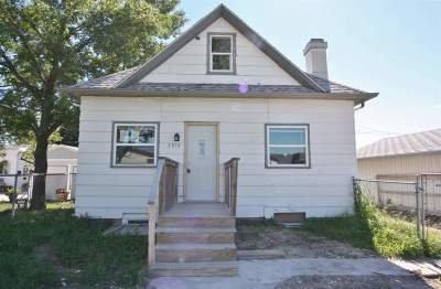 minot Single Family Home For Sale: 3915 Main St. S