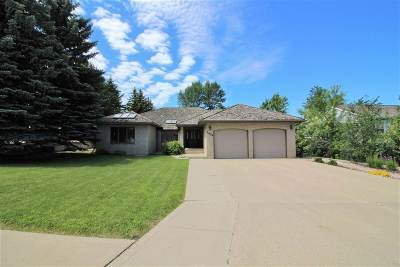 minot Single Family Home For Sale: 1404 14th St. SW