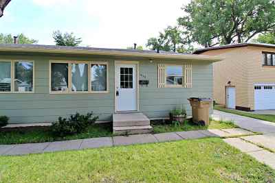 Minot Multi Family Home For Sale: 1619 1st St SE