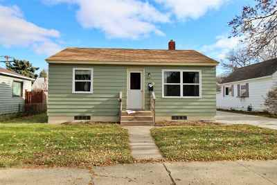 Minot Single Family Home For Sale: 1305 1st St SE
