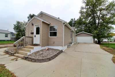 Single Family Home For Sale: 421 16th St NW