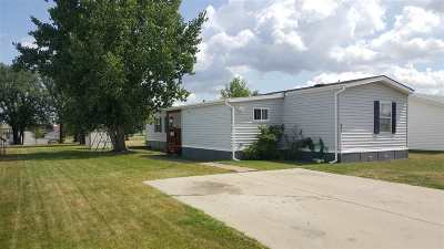 Minot Mobile Home For Sale: 800 SE 31st. Ave