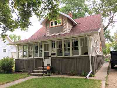 Minot ND Single Family Home Contingent - Hi: $169,900