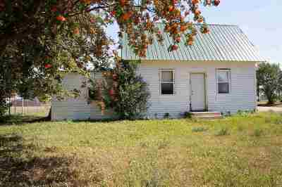 Bottineau County, Burke County, Divide County, McHenry County, McLean County, Mountrail County, Pierce County, Ramsey County, Renville County, Rolette County, Ward County, Wells County, Williams County Single Family Home For Sale: 204 1st Ave W