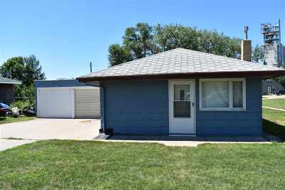 Bottineau County, Burke County, Divide County, McHenry County, McLean County, Mountrail County, Pierce County, Ramsey County, Renville County, Rolette County, Ward County, Wells County, Williams County Single Family Home For Sale: 235 2nd St SE