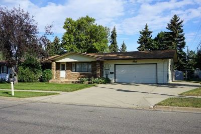 Minot ND Single Family Home For Sale: $219,000