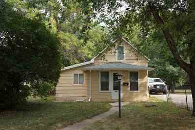 minot Single Family Home For Sale: 916 10th Ave NW