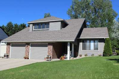minot Single Family Home For Sale: 1417 11th St SW
