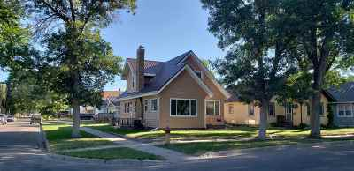 minot Single Family Home For Sale: 922 NW 7th Avenue