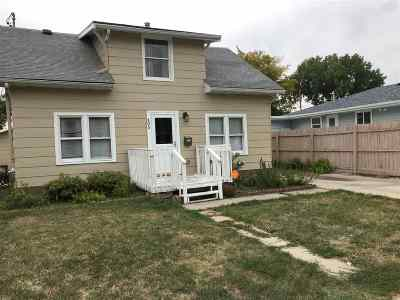 Minot Single Family Home For Sale: 405 18th St NW #1