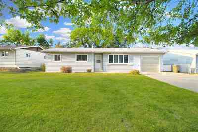 Minot Single Family Home For Sale: 818 NW 24th Ave